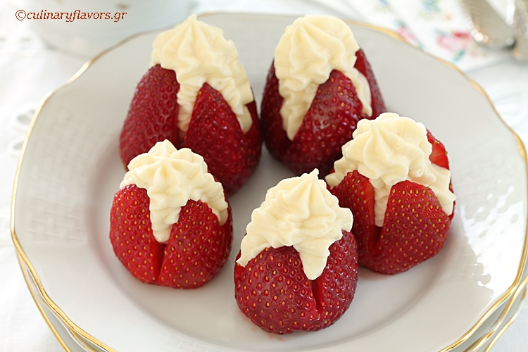 Strawberries with White Chocolate Mousse